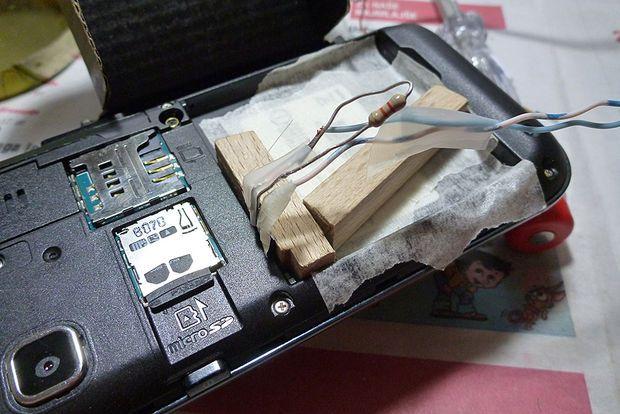 Включаем телефон без аккумулятора