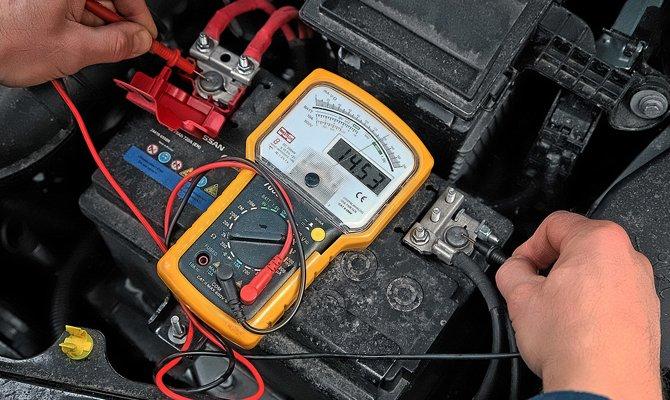 генератор заряжает аккумулятор